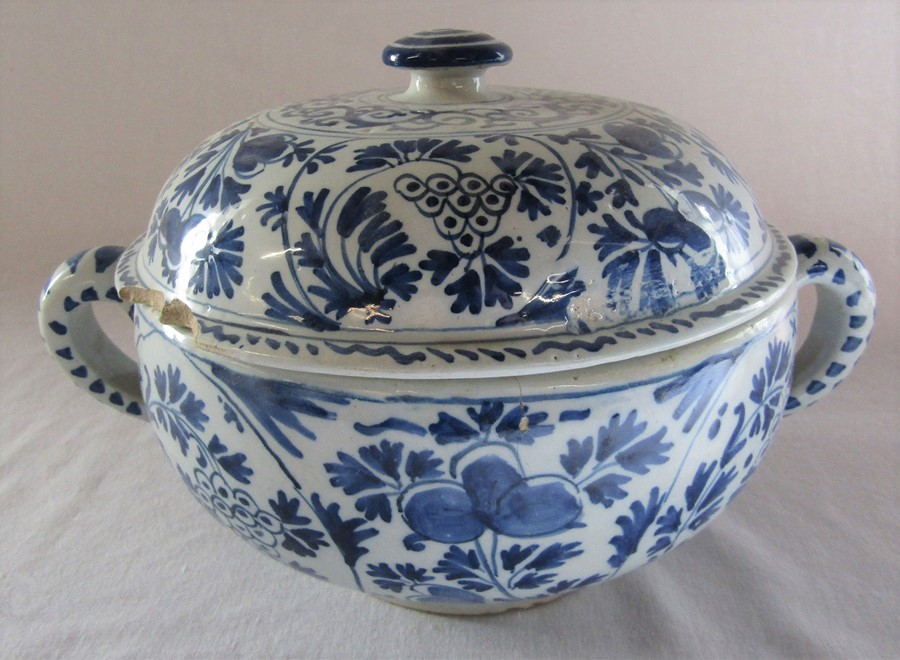 18th century Delft blue and white painted twin handled possett pot / broth bowl and cover D 26 cm