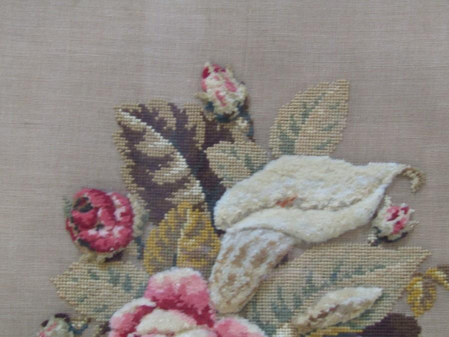Large needlepoint still life of flowers 56 cm x 56 cm (size including frame) - Image 2 of 3