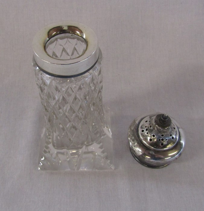 Silver topped cut glass sugar shaker H 17 cm London 1928 (weight of silver 0.60 ozt) - Image 2 of 2