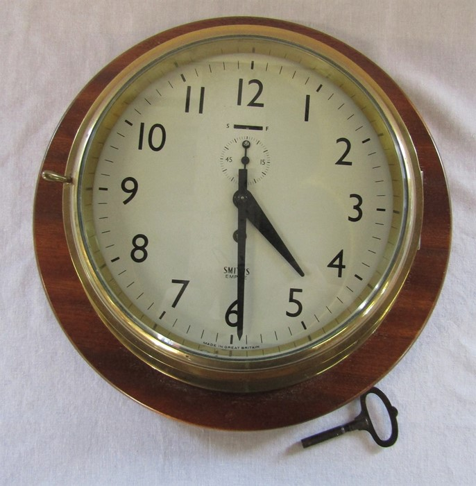 Smiths Empire brass ships clock with wooden mount D 33 cm H 12 cm