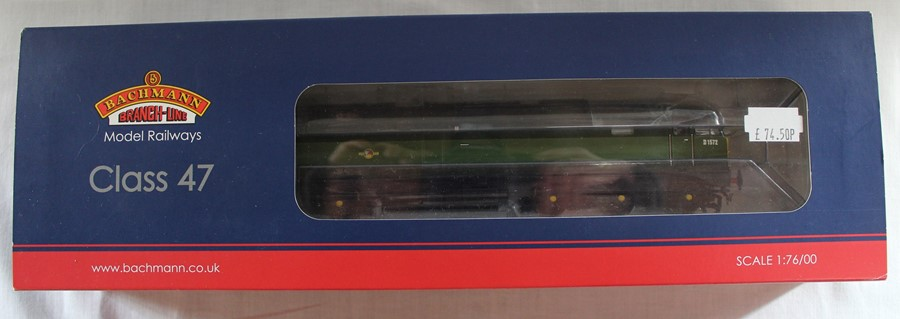 Bachmann Branch-Line boxed OO gauge 32-804 Class 47 diesel D1572 BR Two Tone Green