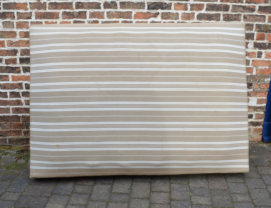French double bed Approximate size 205cm by 147cm base 186cm by 130cm - Image 3 of 3
