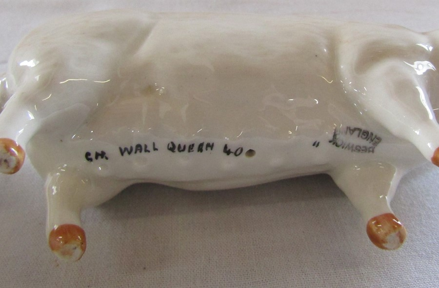 2 Beswick pigs - CH Wall champion boy 53 and CH wall queen 40 and an Aynsley pig 'Piggy' H 10.5 cm - Image 5 of 7