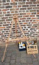 Artist's easel & accessories