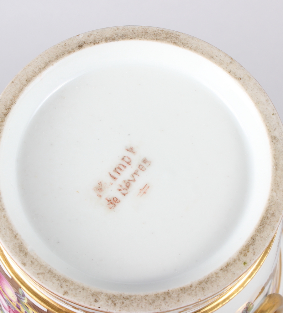 An 18th century Sevres Imperial cache pot with gilt ring handles and floral swag decoration - Image 6 of 6
