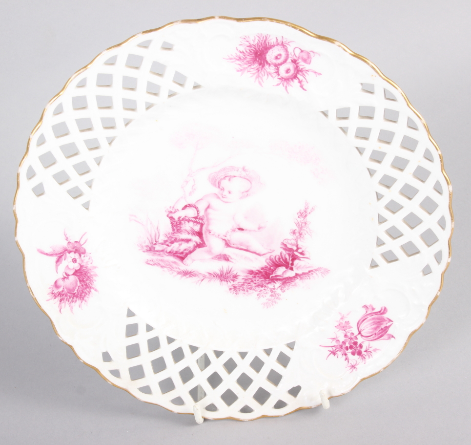 """A pair of bone china plates with puce cherub and floral decoration with pierced borders, 9 1/2"""" dia - Image 4 of 5"""