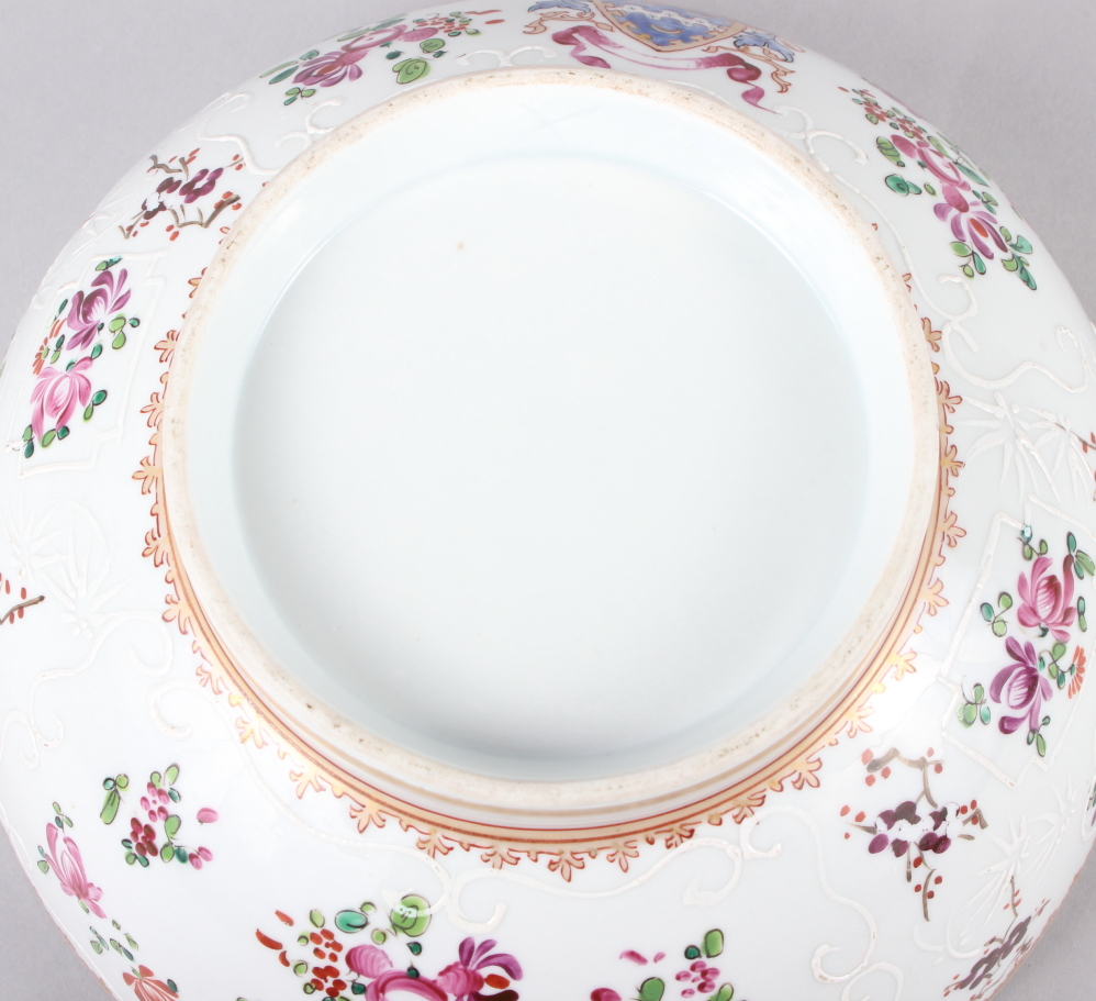 """A Sampson Paris bowl with armorial, floral and gilt decoration, 9"""" dia - Image 7 of 7"""