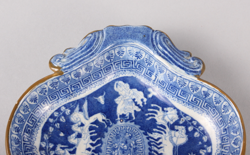 """An 18th century Worcester blue and white leaf-shaped pickle dish, 5 1/4"""" wide, and a blue and - Image 3 of 8"""