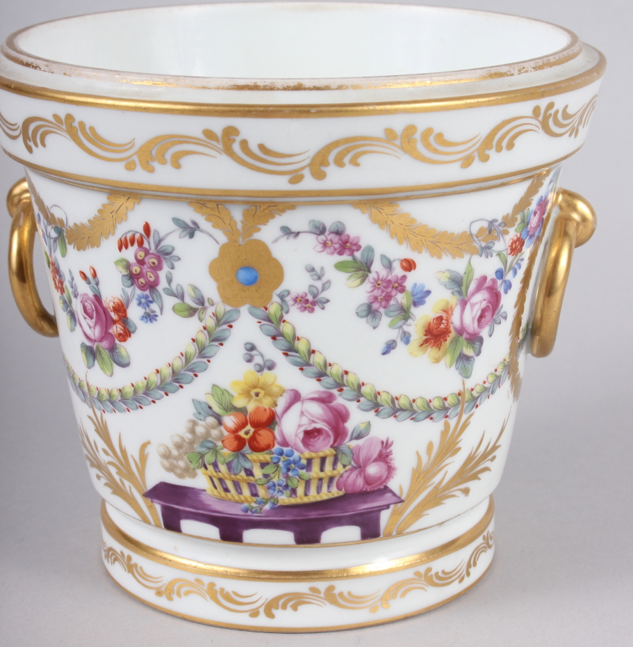 An 18th century Sevres Imperial cache pot with gilt ring handles and floral swag decoration - Image 3 of 6