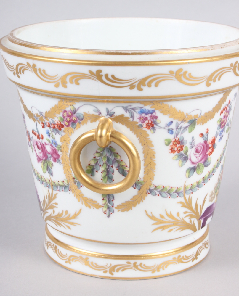 An 18th century Sevres Imperial cache pot with gilt ring handles and floral swag decoration - Image 2 of 6
