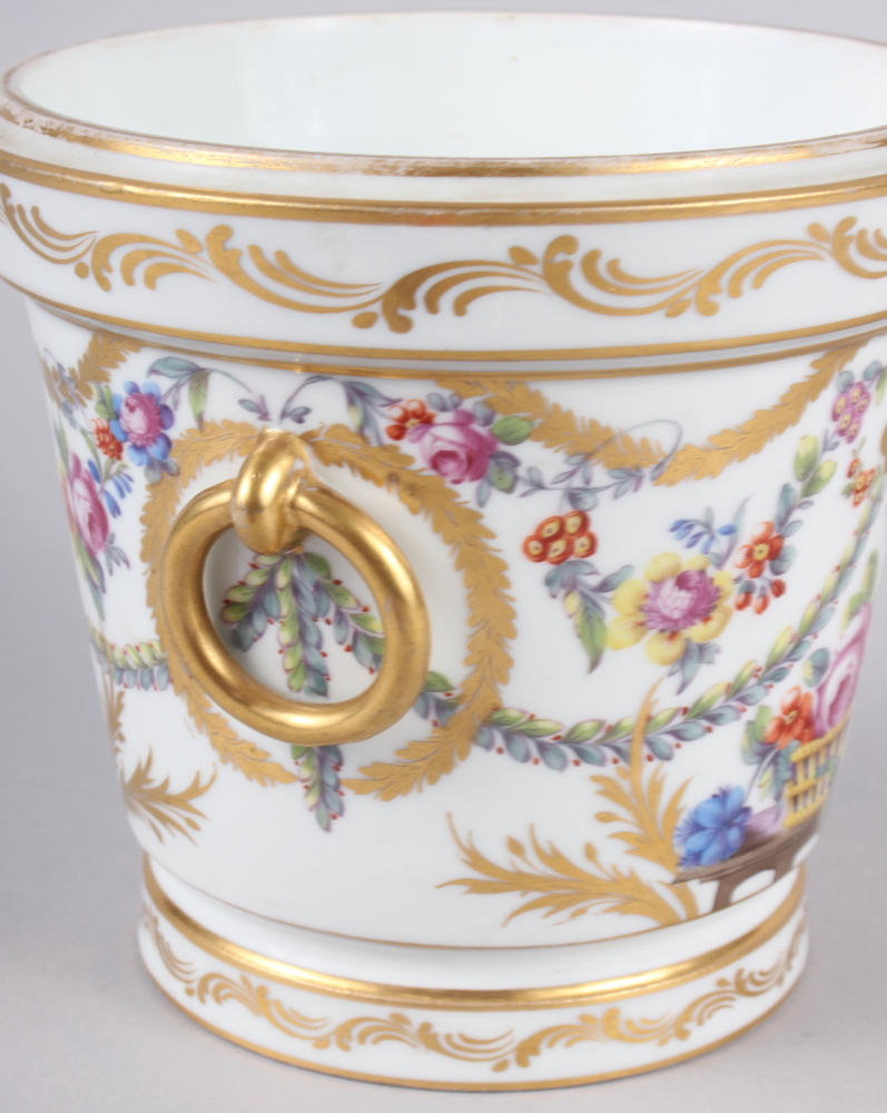 An 18th century Sevres Imperial cache pot with gilt ring handles and floral swag decoration - Image 4 of 6