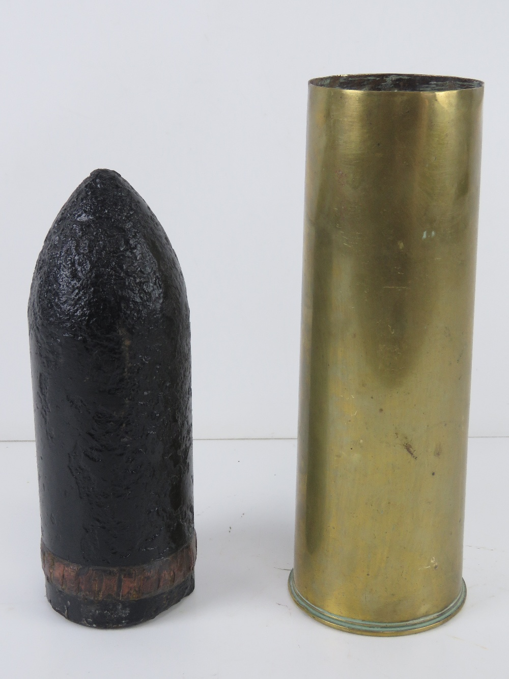 A 25pr Mk2/1 shell casing with shell head. - Image 2 of 3