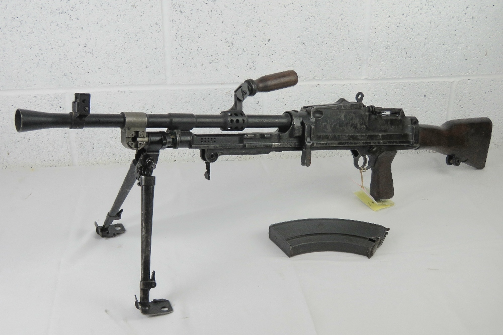 A deactivated Bren MKIII .303 light machine gun. - Image 2 of 9