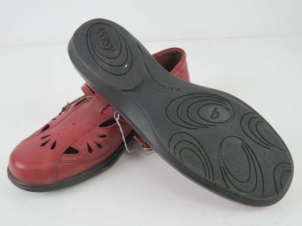 A pair of 'as new' red leather shoes by - Image 3 of 3