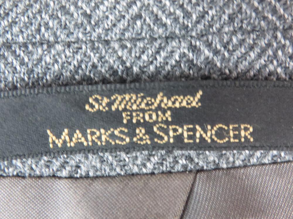 A ladies wool and cashmere grey tweed ja - Image 4 of 4