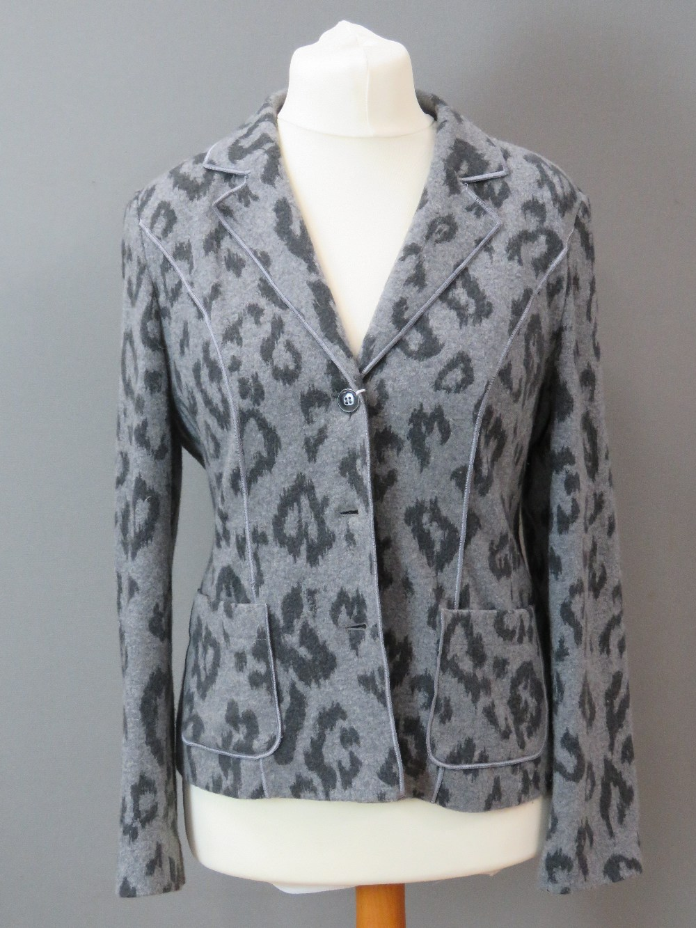 Betty Barclay; Ladies jacket and trouser - Image 2 of 9