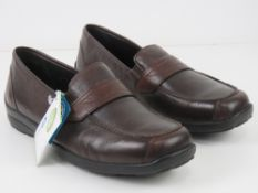 A pair of 'as new' leather shoes by Easy
