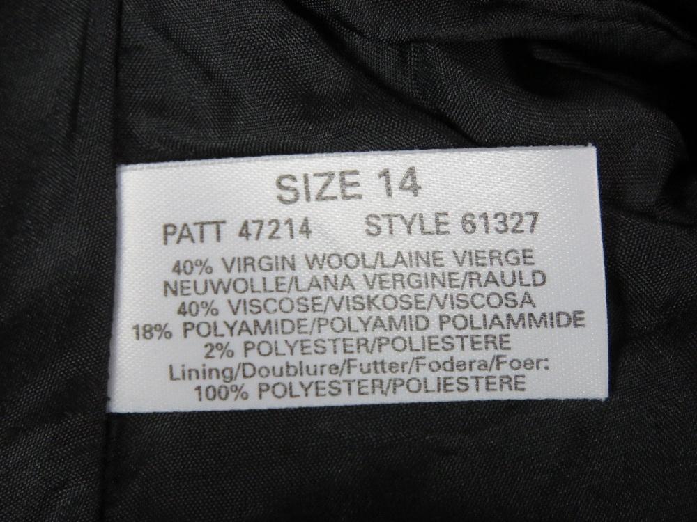 A ladies 40% wool jacket by Windsmoor. A - Image 3 of 4