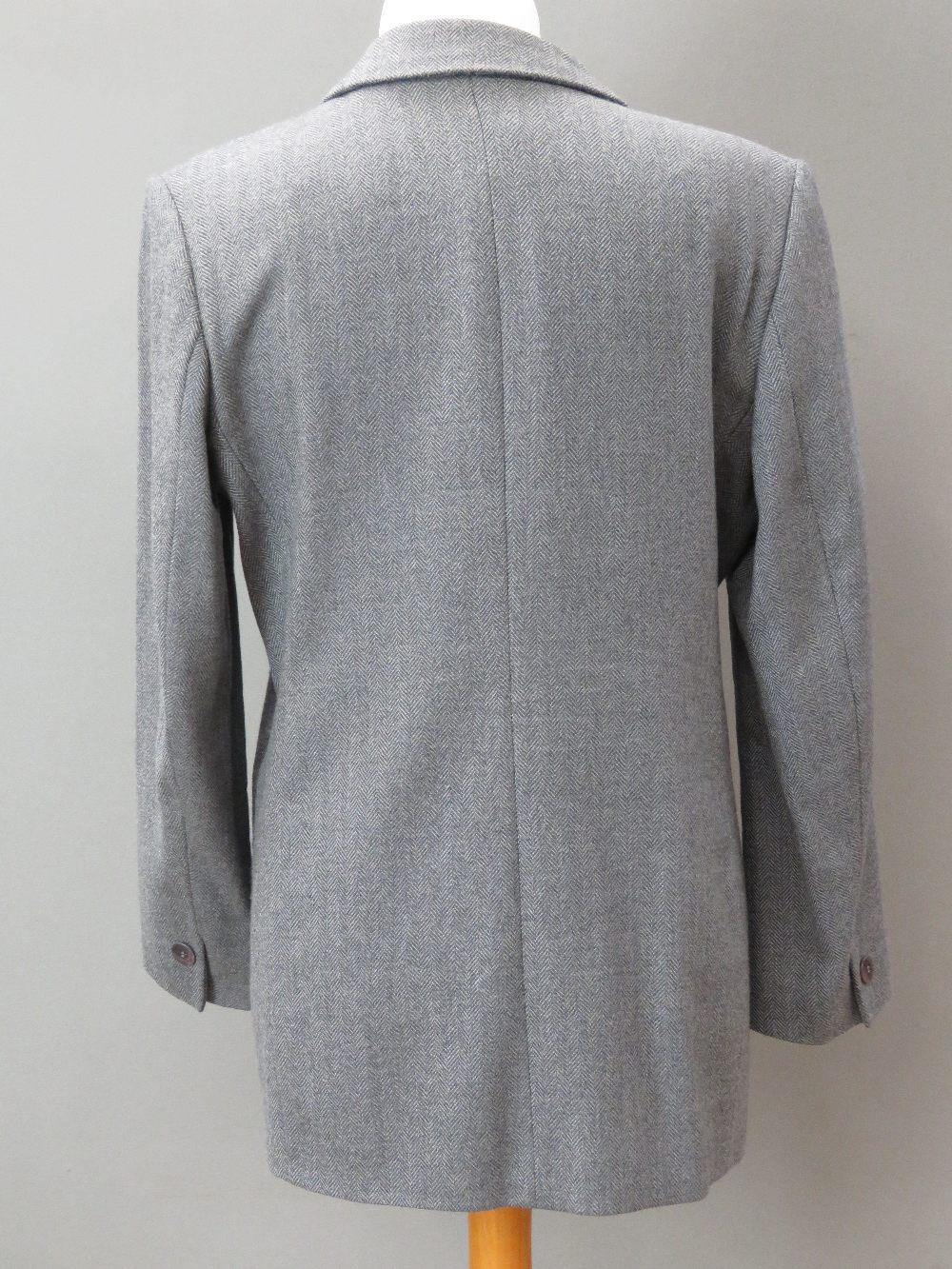 A ladies wool and cashmere grey tweed ja - Image 2 of 4