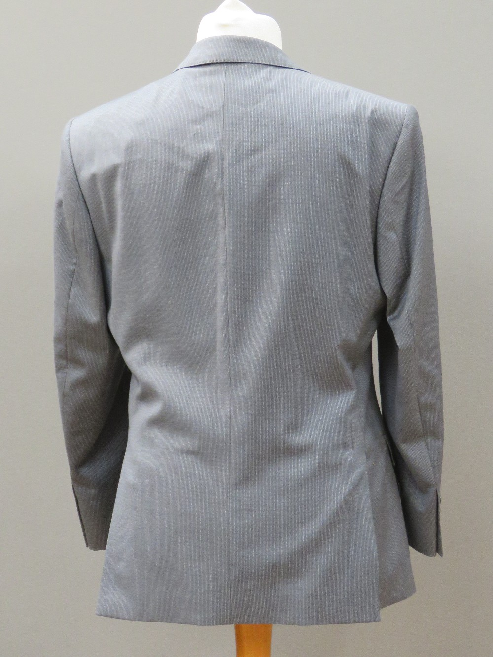 "Ben Sherman men's suit jacket, 42"" Short - Image 2 of 4"