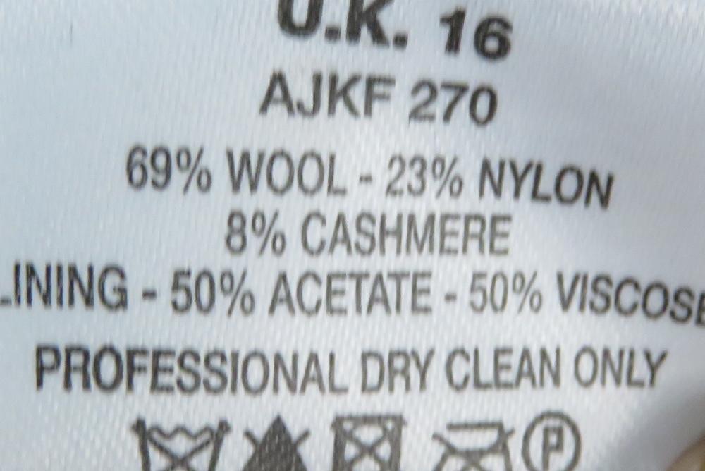 A blush pink jacket, 89% wool & 8% cashm - Image 3 of 5