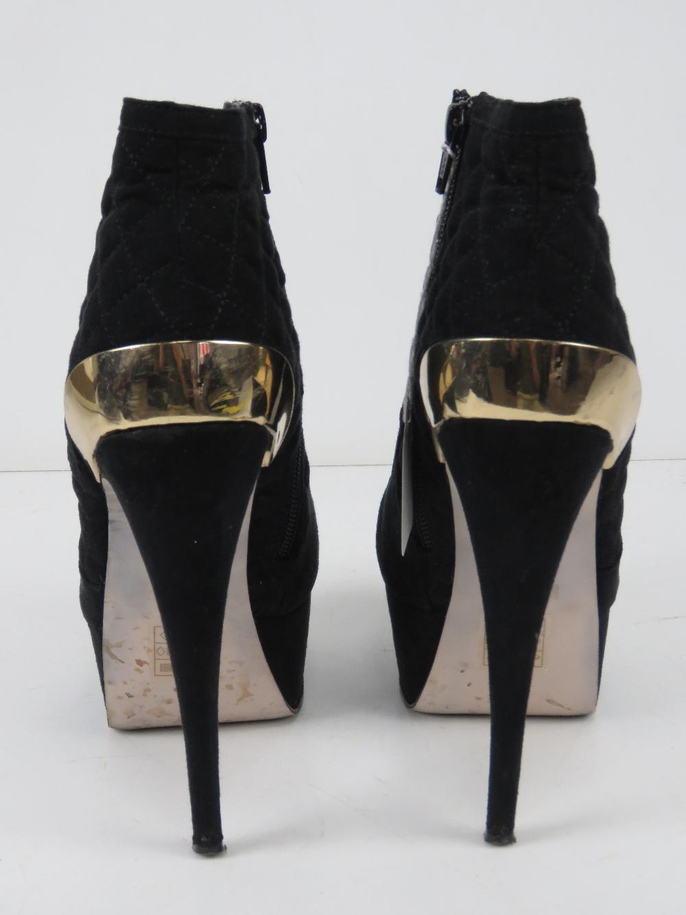 A pair of black velvet platform ankle bo - Image 3 of 5