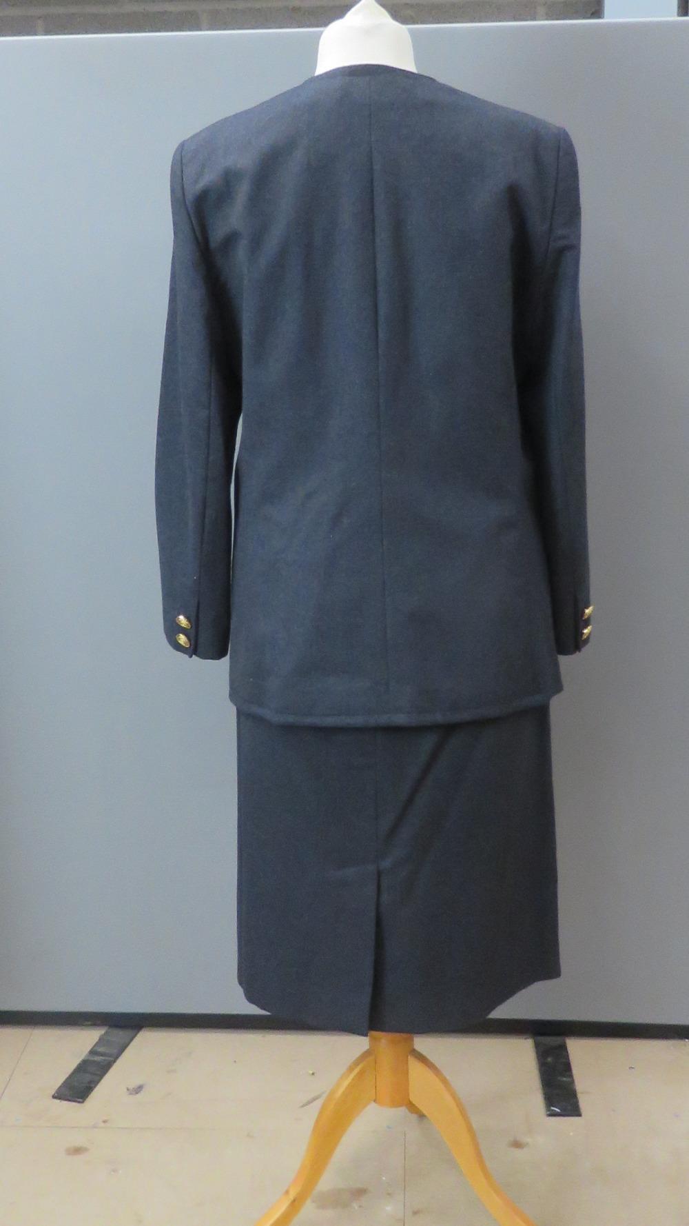 Viyella; 100% pure new wool ladies jacke - Image 2 of 7