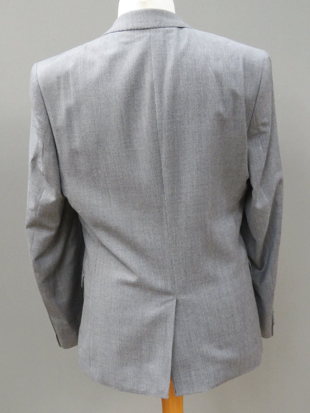 "Ben Sherman men's suit jacket, 40"" Regul - Image 2 of 4"