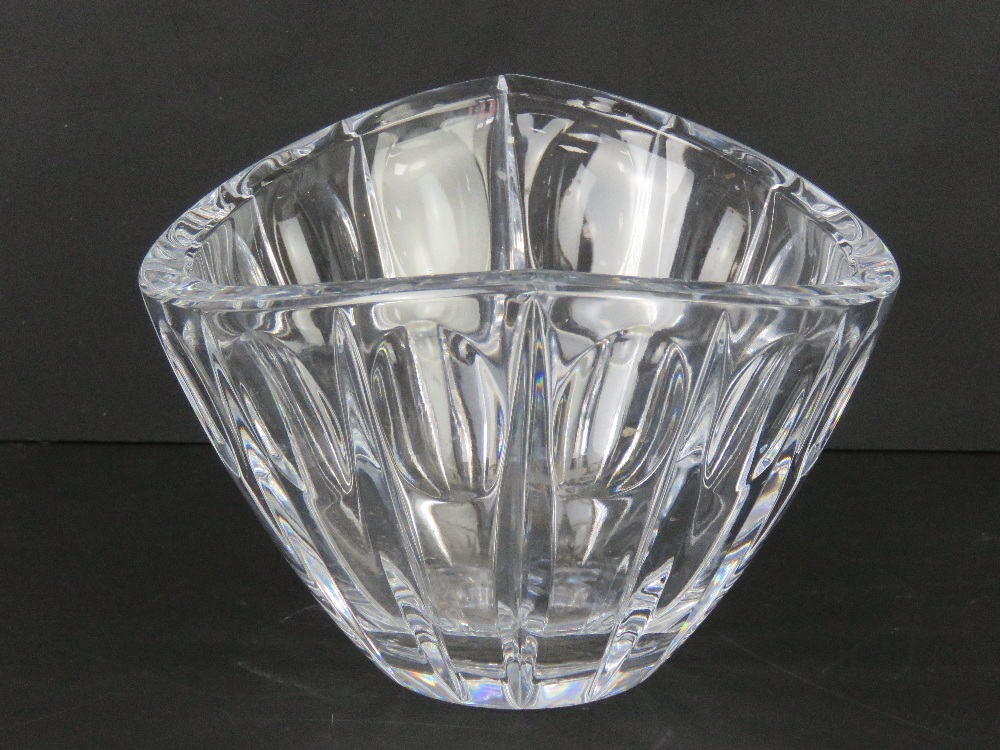 A Lenox crystal glass bowl, 25cm wide. - Image 2 of 2