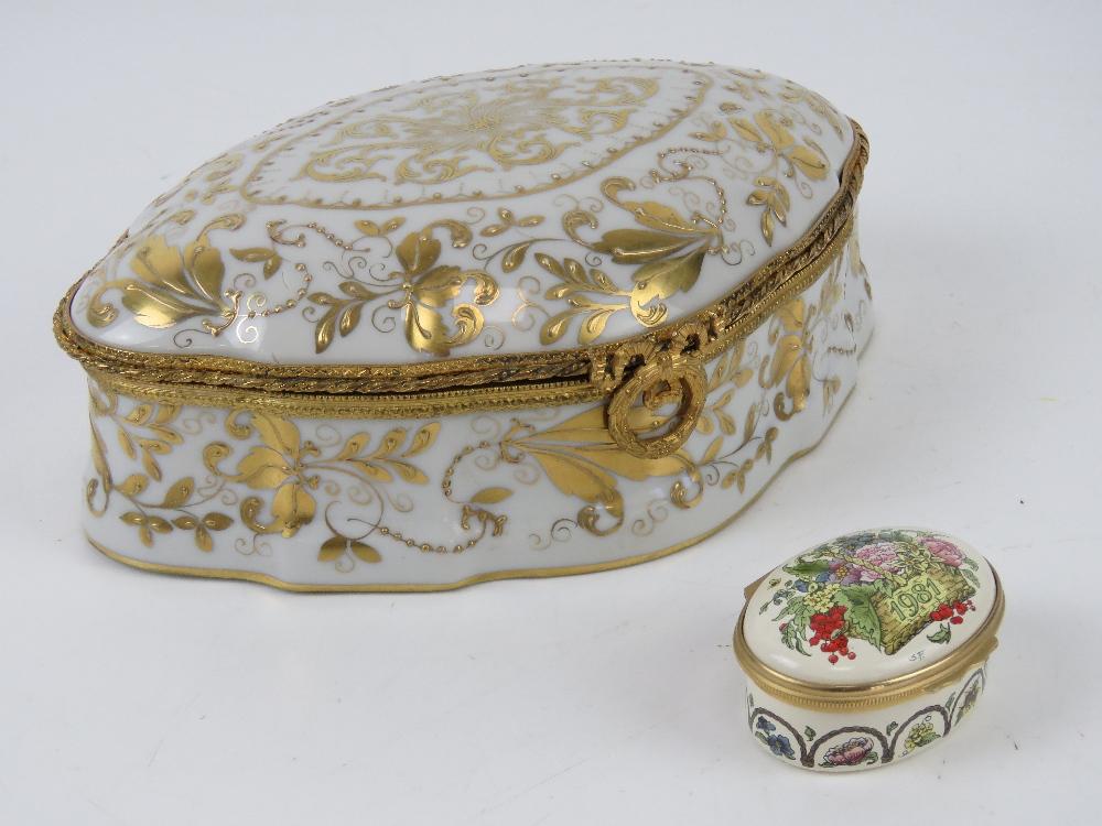 A Halcyon Days enamel trinket box '1981 A Year to Remember',