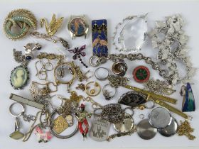 A quantity of jewellery including Siam Sterling silver niello brooch in the form of a fan having