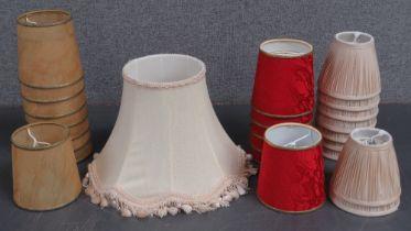 A single table lamp shade, 31cm dia, tog
