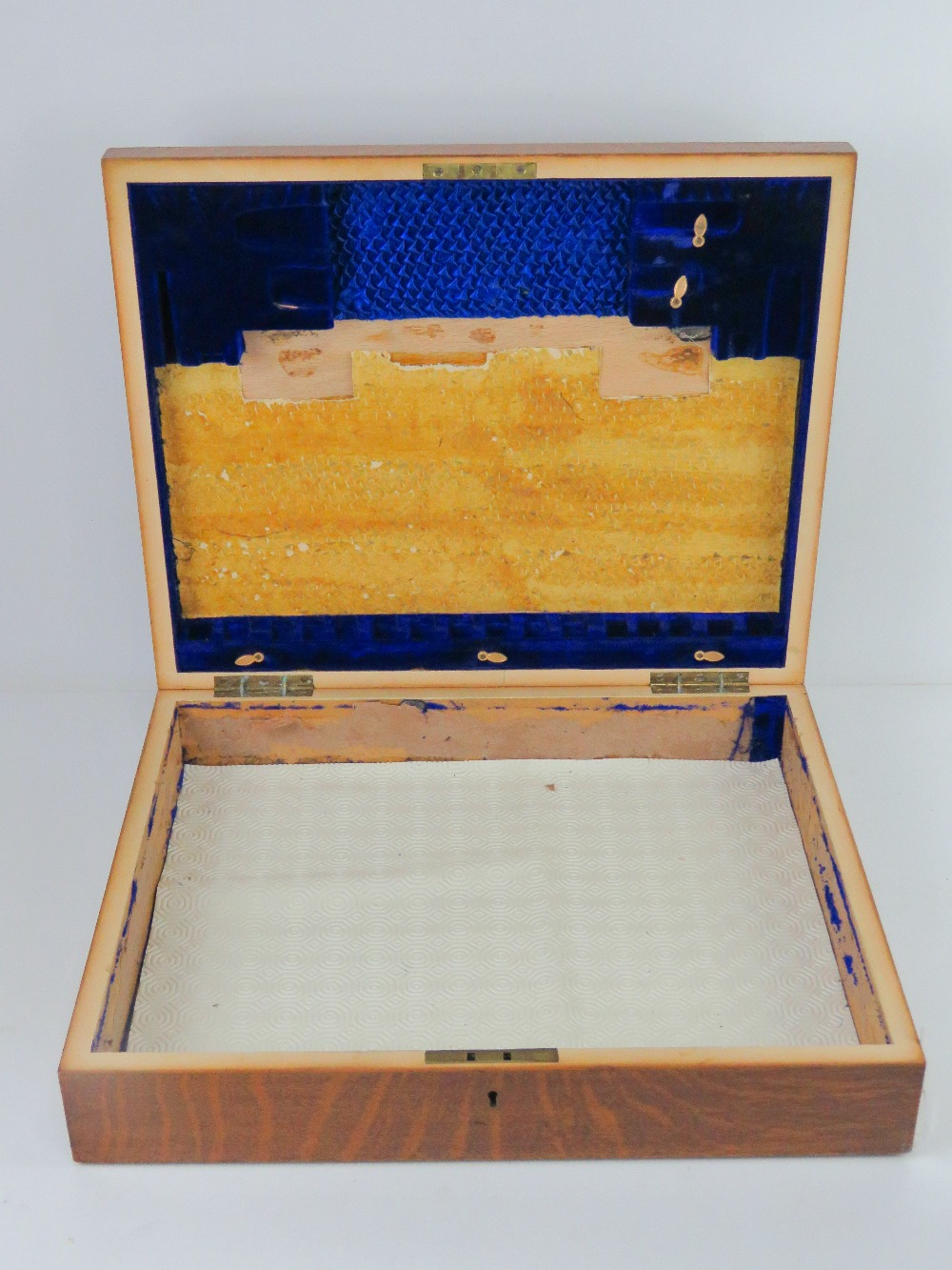 A good oak cutlery box with countersunk - Image 3 of 3