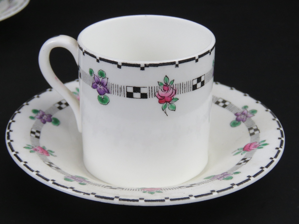A set of Shelley coffee cans and saucers - Image 2 of 3