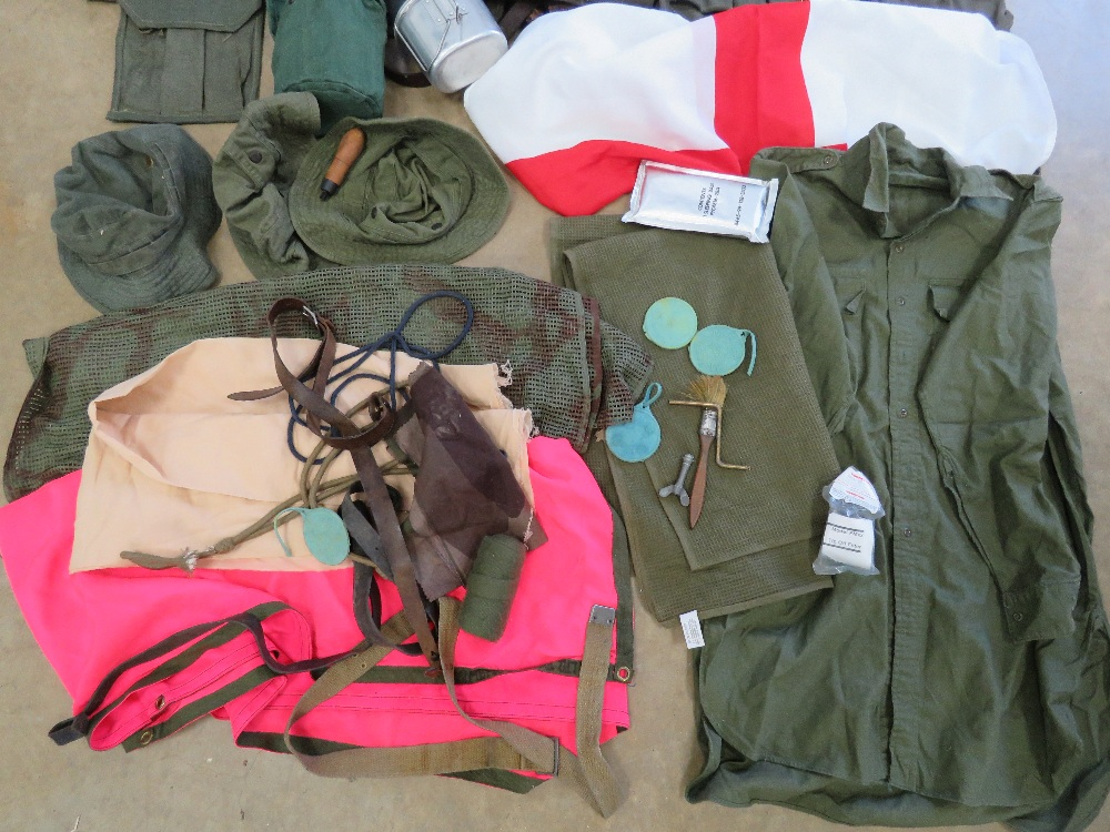 A quantity of assorted militaria, RPG pouches, PPS 43 magazine pouch, ZB26 magazine pouch, - Image 4 of 4