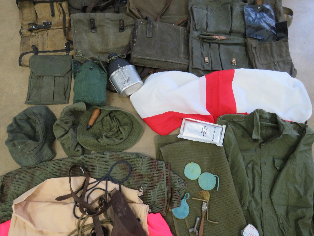 A quantity of assorted militaria, RPG pouches, PPS 43 magazine pouch, ZB26 magazine pouch, - Image 3 of 4