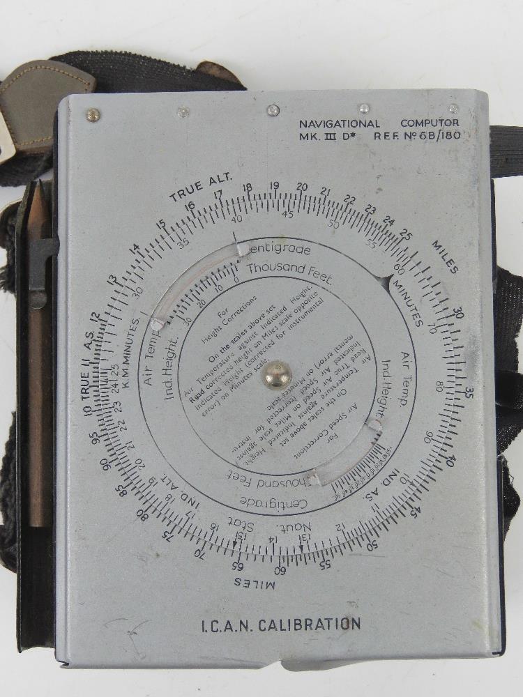A WWII British navigational computor Mark III in original packaging. - Image 2 of 7