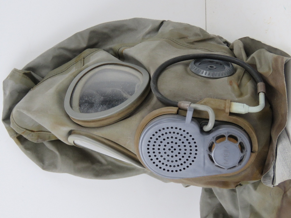 A Czech M-10 M military gas mask in bag. - Image 6 of 6