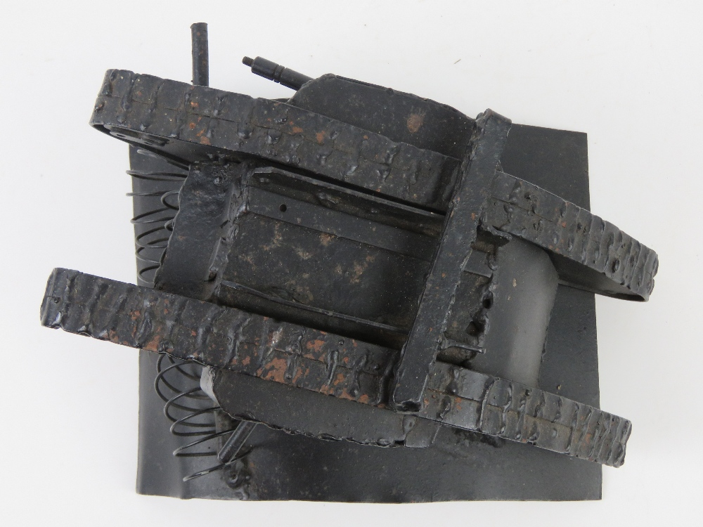 A contemporary metal model of a tank, 22 x 15 x 13cm. - Image 3 of 4