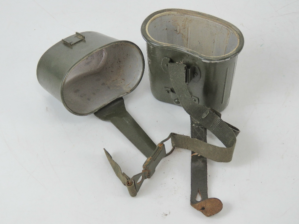 A post war German mess tin assembly with straps. - Image 2 of 3