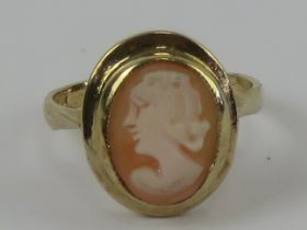 A HM silver and gold plated carved shell cameo ring, hallmarked Birmingham, size N-O.