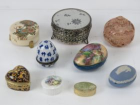 A Satsuma bowl and cover, a/f. Together with eight assorted contemporary trinket boxes.