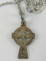 A Celtic Cross pendant on 925 silver cha