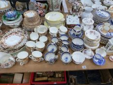 A LARGE COLLECTION OF ANTIQUE AND LATER DINNER AND TEA WARES, INCLUDING ROYAL ALBERT, TOGETHER