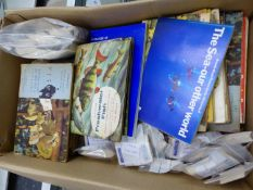 A QUANTITY OF LOOSE COLLECTORS AND TEA CARDS, AND VARIOUS ALBUMS.