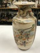 A SATSUMA WEAR JAPANESE VASE DECORATED WITH WARRIORS AND DRAGON RELIEF TO THE NECK.