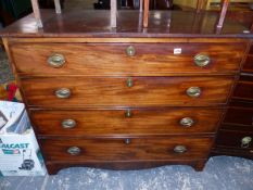 AN EARLY 19th C. MAHOGANY CHEST OF FOUR GRADUATED DRAWERS.
