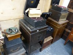 THREE VINTAGE PORTABLE GRAMOPHONES BY HMV, EDISON, AND OTHER, TOGETHER WITH TWO CABINET