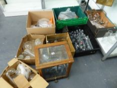 A LARGE COLLECTION OF VINTAGE SCIENTIFIC GLASS APPARATUS AND A GLASS CASED BALANCE.