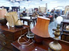 SIX VARIOUS DECORATIVE TABLE LAMPS.